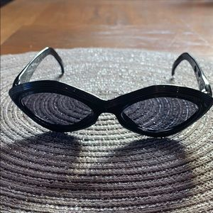 Elle Black Plastic Sunglasses